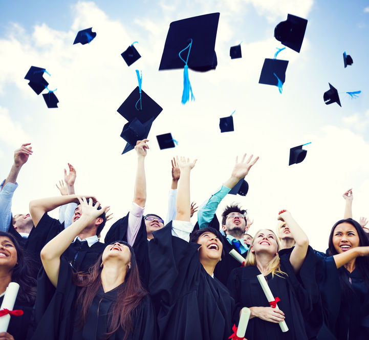 Use SMS To Assist With College Graduation